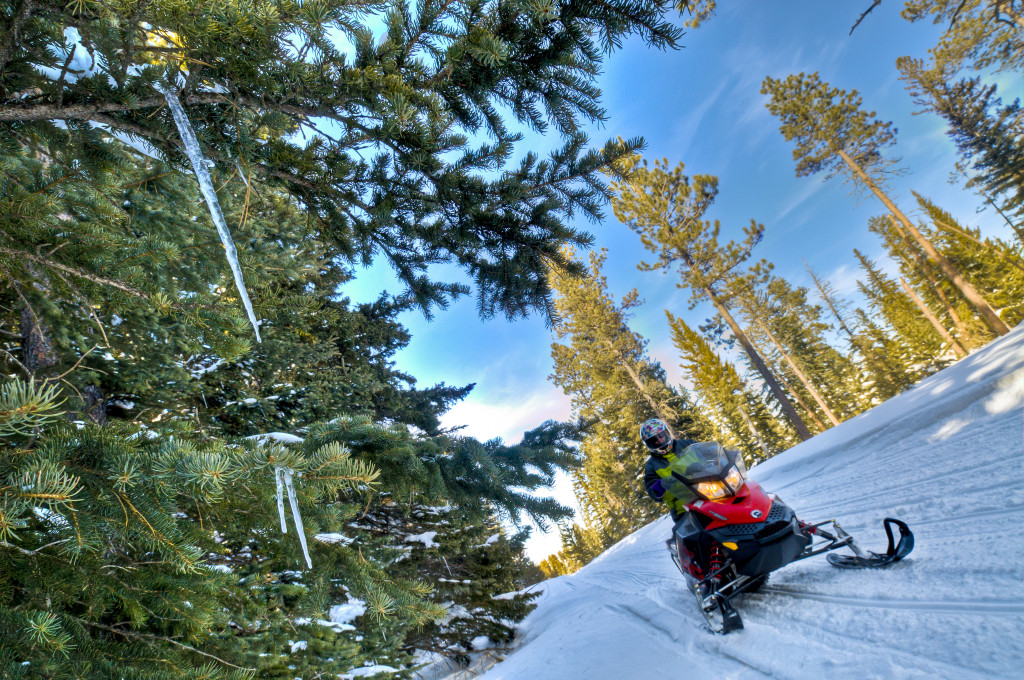 Snowmobiling00180