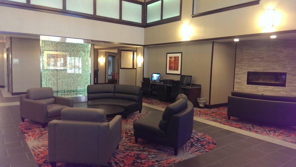 Holiday Inn Express I 90 Black Hills Amp Badlands South