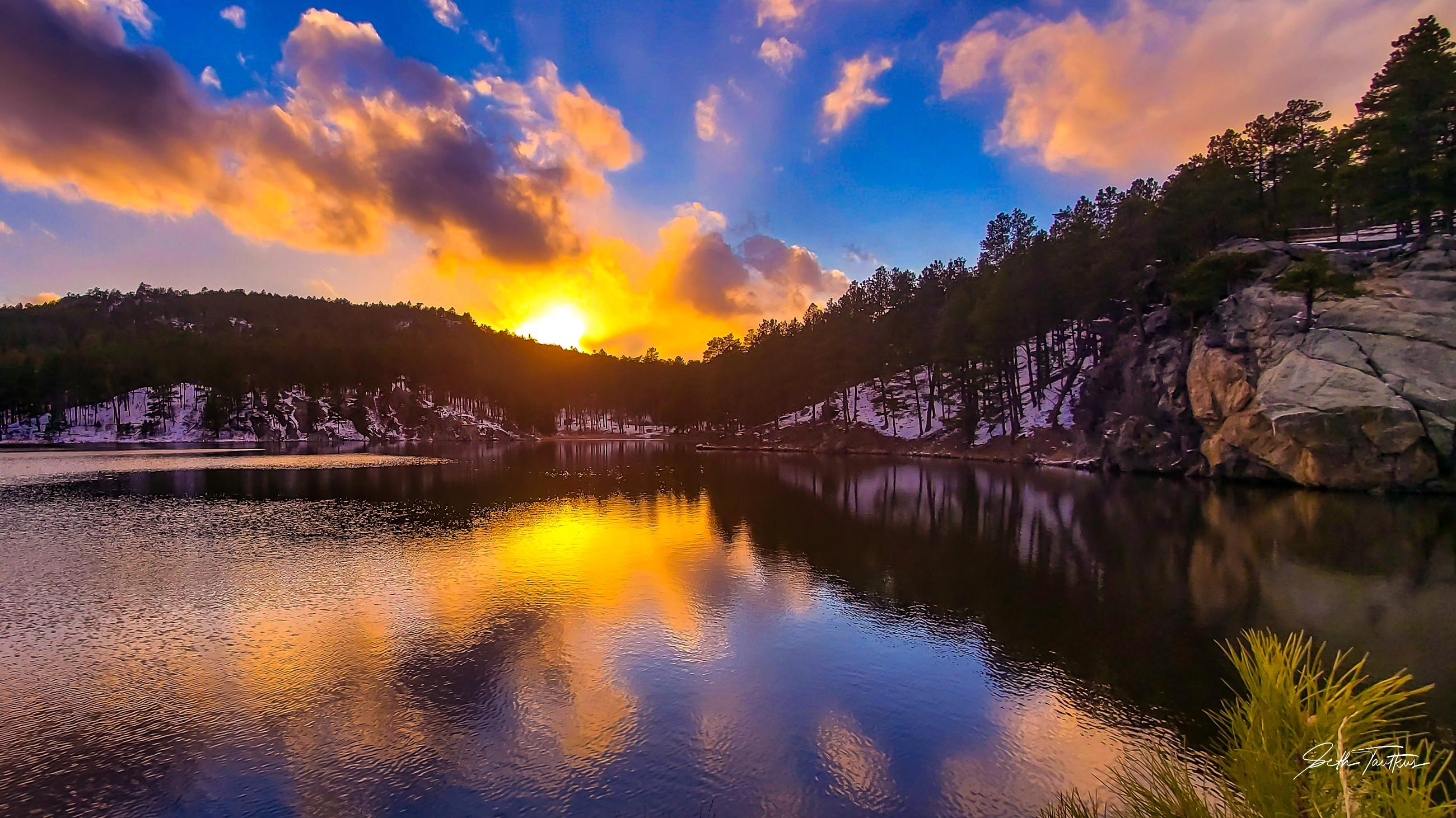 Sunset at Horsethief Lake