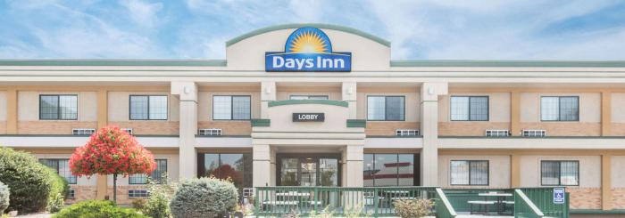Days Inn - West