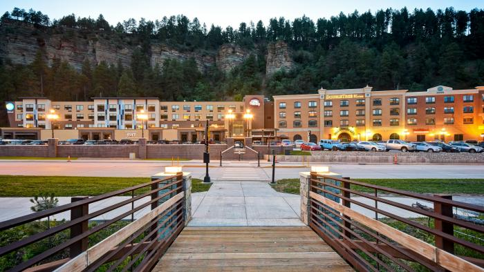 DoubleTree by Hilton Deadwood at Cadillac Jack's Gaming Resort *