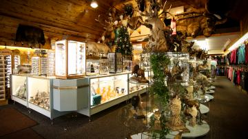 Black Hills Souvenirs & Gifts