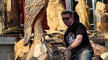 Jordan Dahl's Chainsaw Art - Hill City