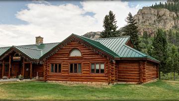 Latchstring Restaurant at Spearfish Canyon Lodge