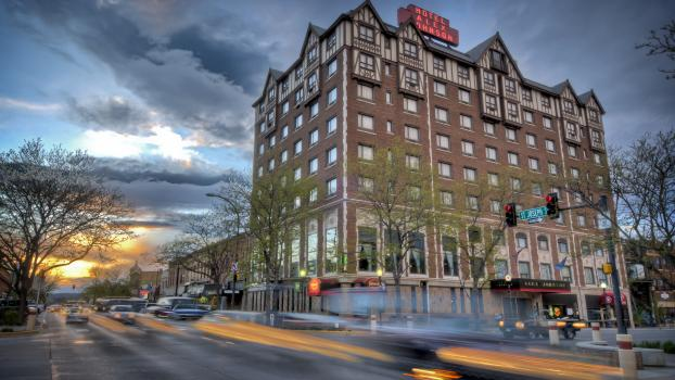 Historic Hotel Alex Johnson *