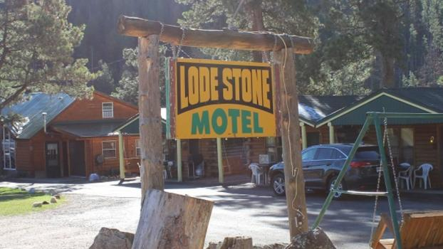 Lodestone Motel & Cabins