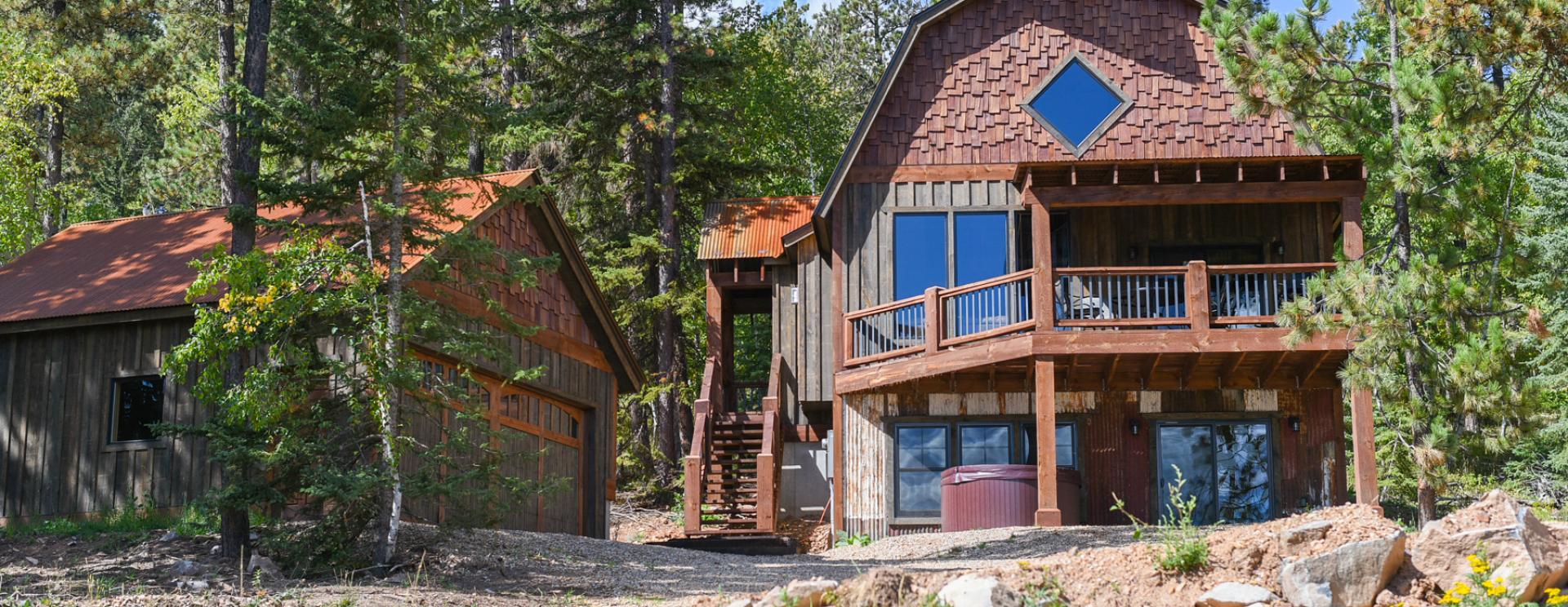 Black Hills Adventure Lodging