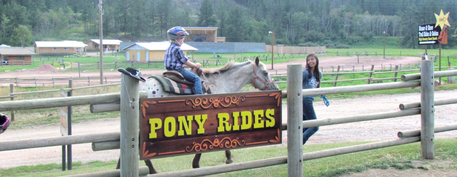 Circle B Chuckwagon Supper and Cowboy Music Show