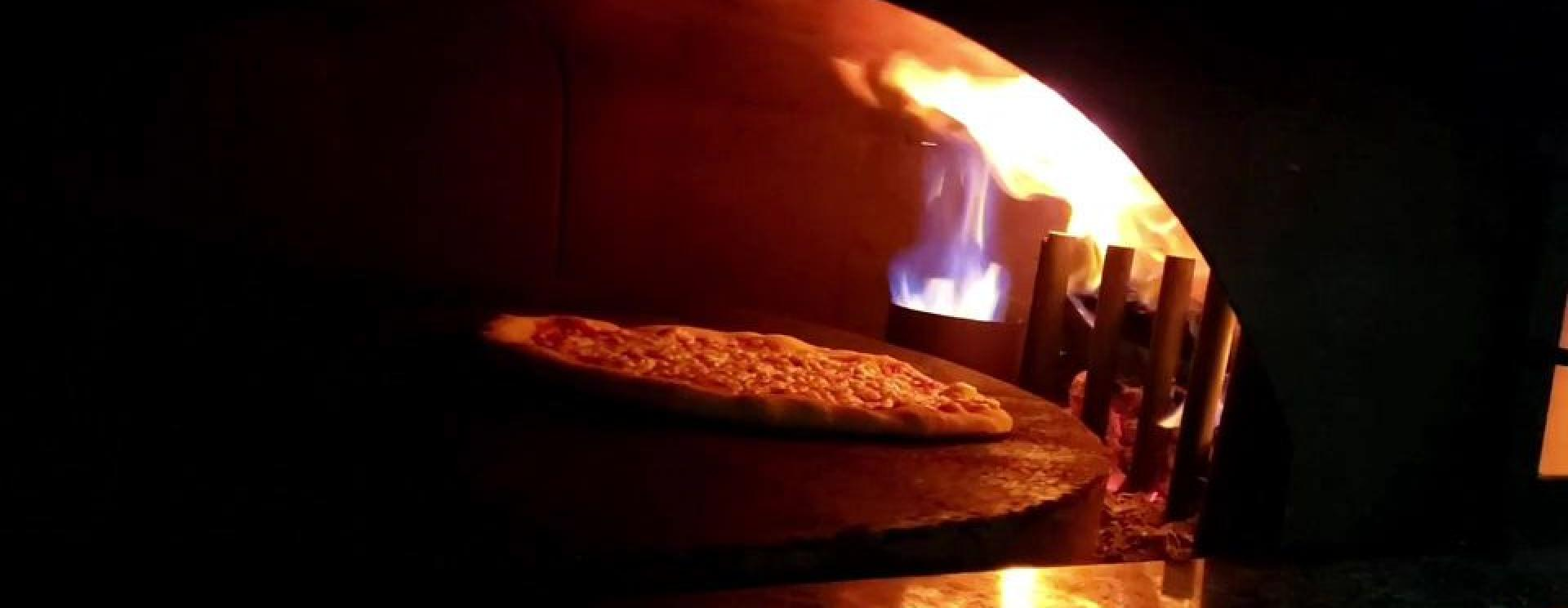 Mangiamo Pizzeria