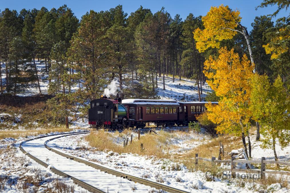 Seasonal Transition meets the 1880 Train