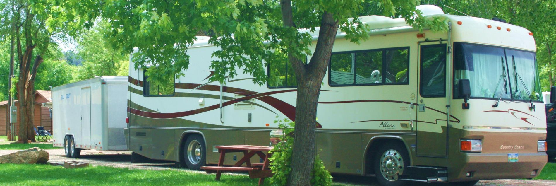 Lake Park Campground & Cottages