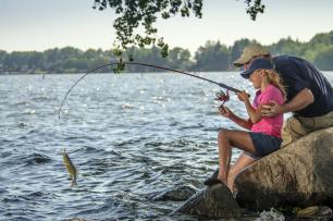 It's Father's Day Free Fishing Weekend in South Dakota!