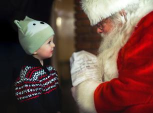 Discover the Christmas Spirit in Hill City