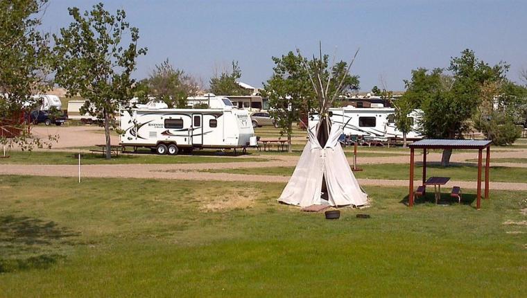 Badlands Motel & Campground
