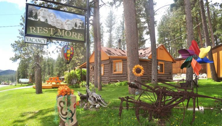Restmore Inn & Cabins