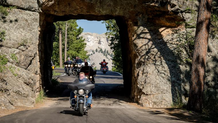 Enjoy the Best Black Hills & Badlands Motorcycle Rides